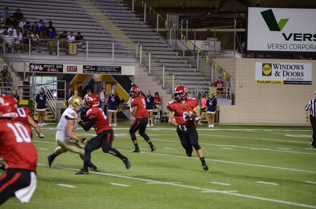 Marquette_Redmen_Football_VS_TCSF_Gladiators_082616_105