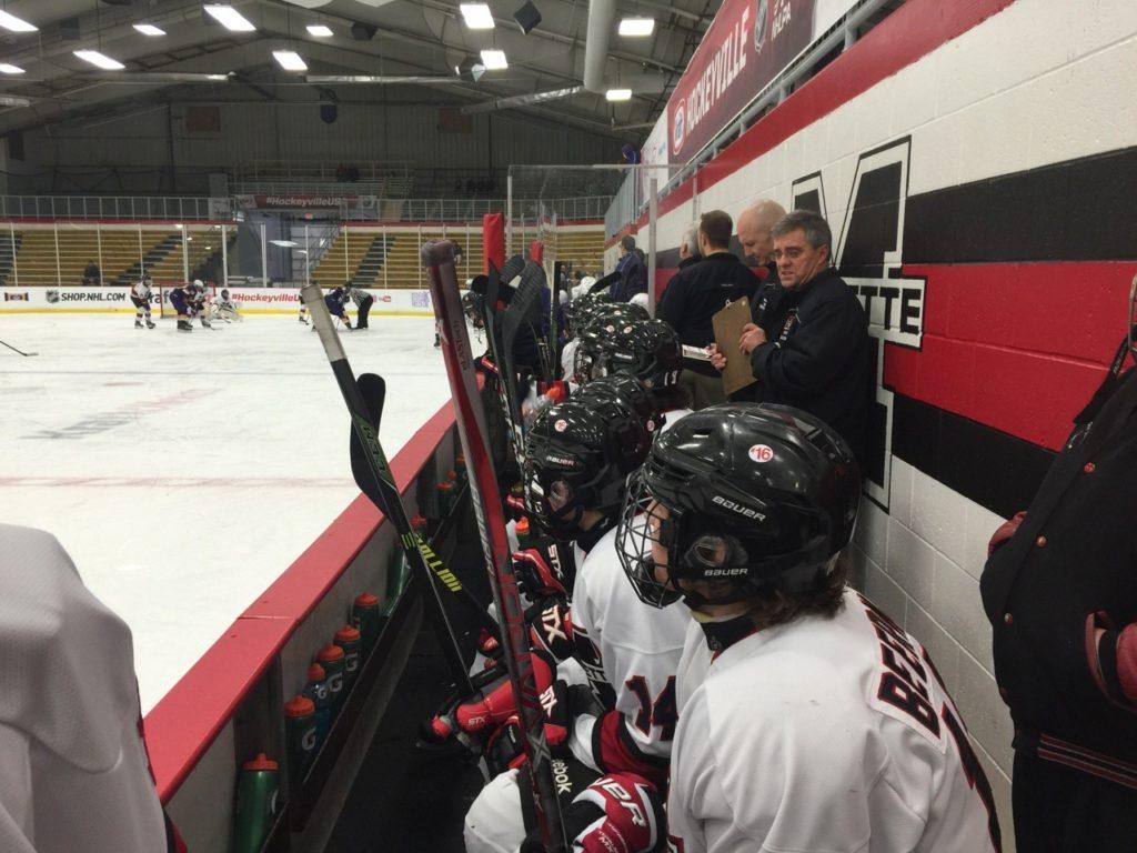 marquette-redmen-hockey-vs-warren-delasalle-pilots-01