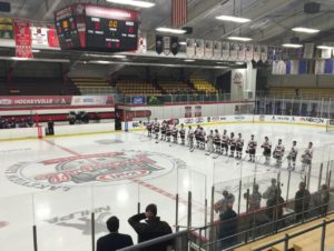 marquette-redmen-hockey-vs-warren-delasalle-pilots-03