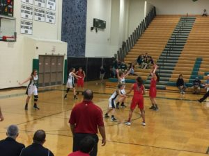 marquette_redettes_girls_basketball_vs_tc_west_trojans_121616_104