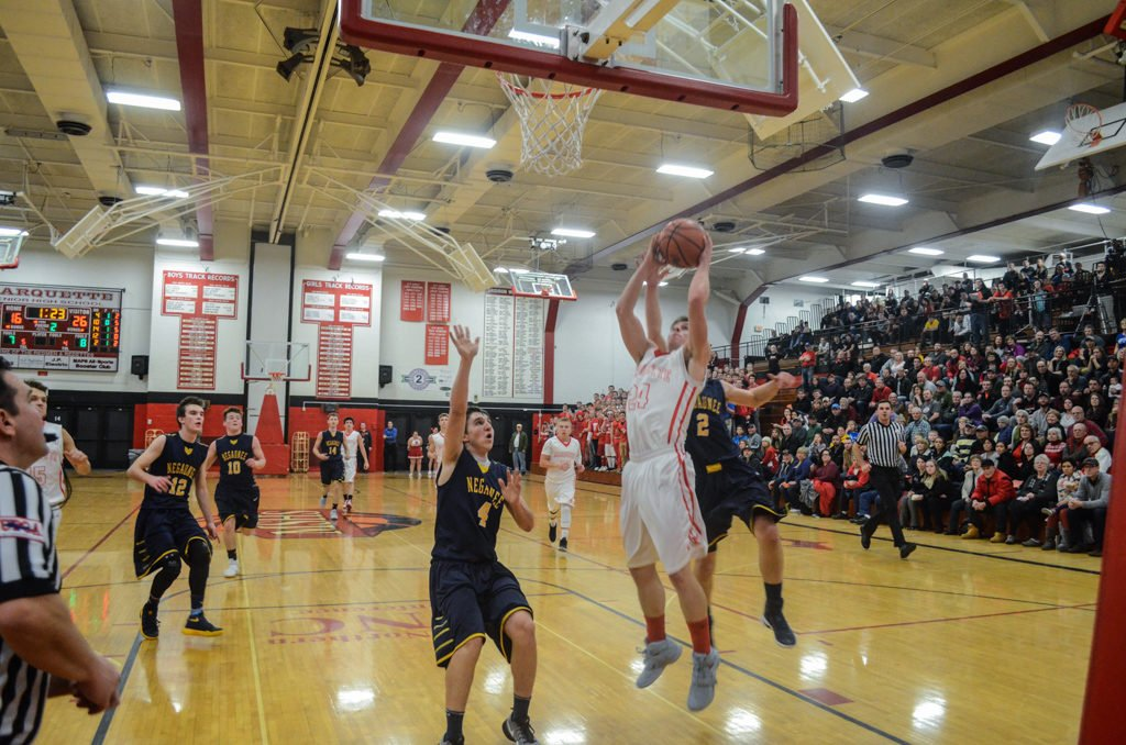 Marquette-Redmen-Negaunee-Miners-Boys-Basketball-January-2017-17