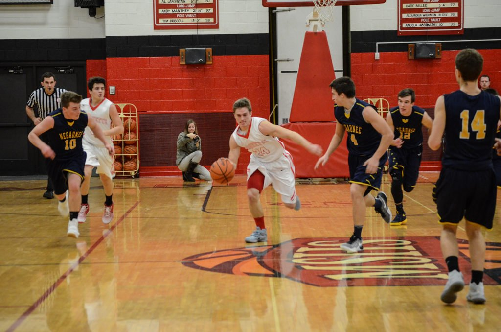 Marquette-Redmen-Negaunee-Miners-Boys-Basketball-January-2017-9