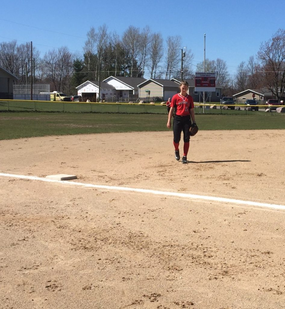 Marquette_Redettes_Softball_VS_Negaunee_Miners_050417_101