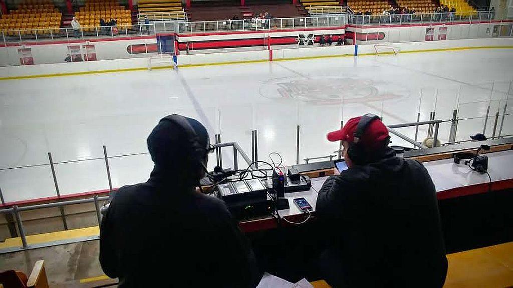 WFXDHD2_Marquette_Redmen_Hockey_vs_Saline6_123017