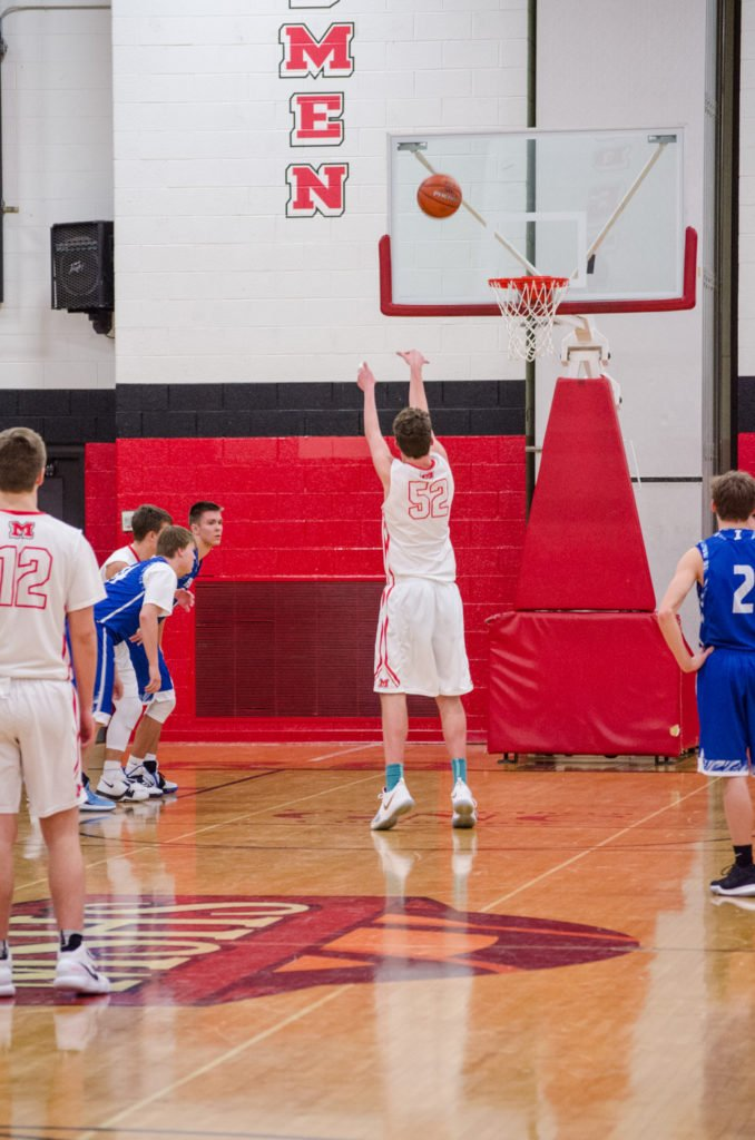 2018-Marquette-Redmen-Ishpeming-Hematites-Basketball-011618-21