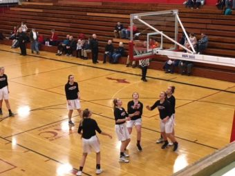 Marquette_Redettes_Basketball_vs_Menominee_Maroons3_012618