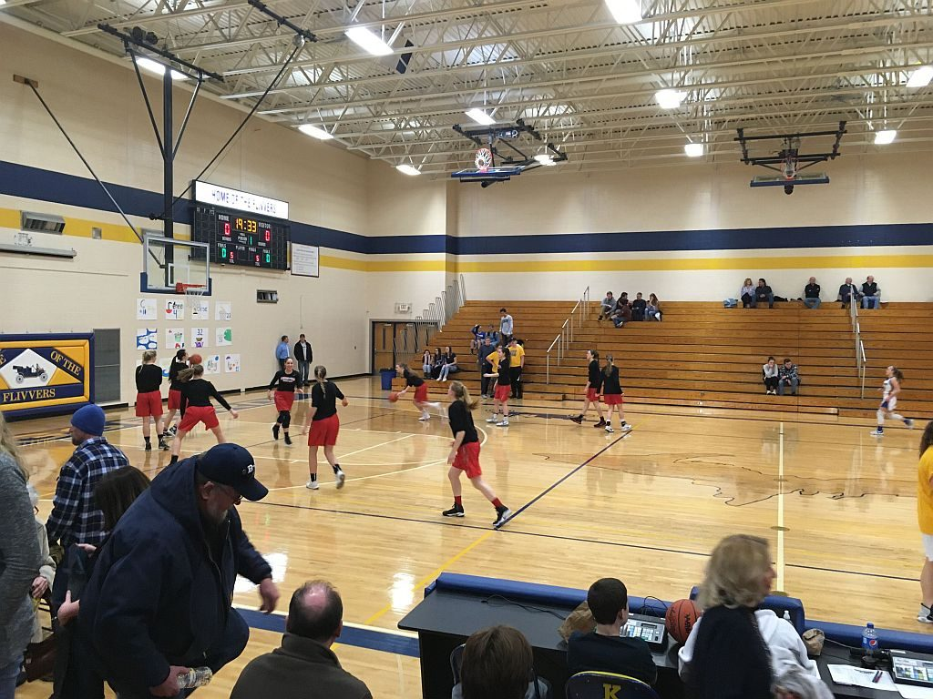 Marquette_Redettes_Basketball_vs_Kingsford_Flivvers3_020918