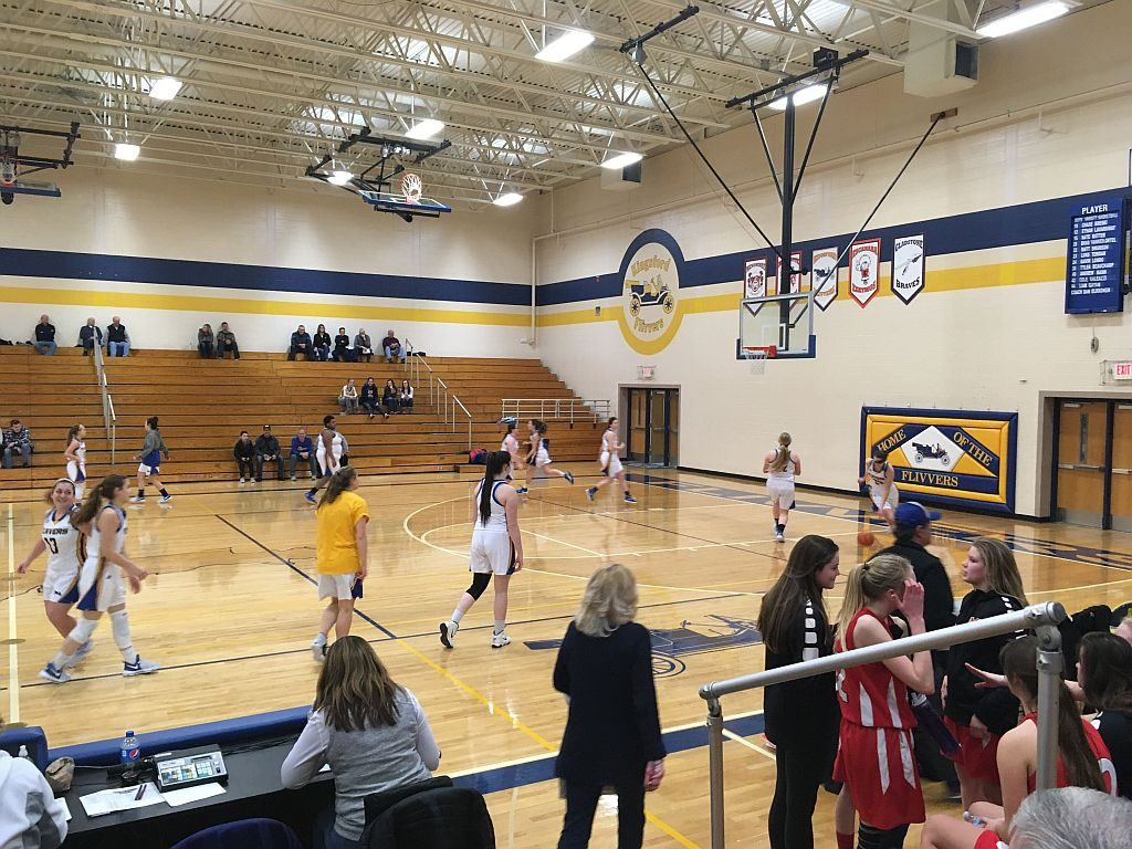 Marquette_Redettes_Basketball_vs_Kingsford_Flivvers4_020918