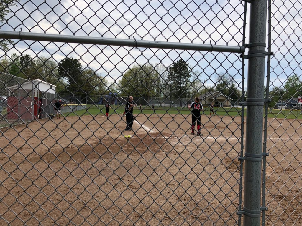 Marquette_Redettes_Softball_Warmup