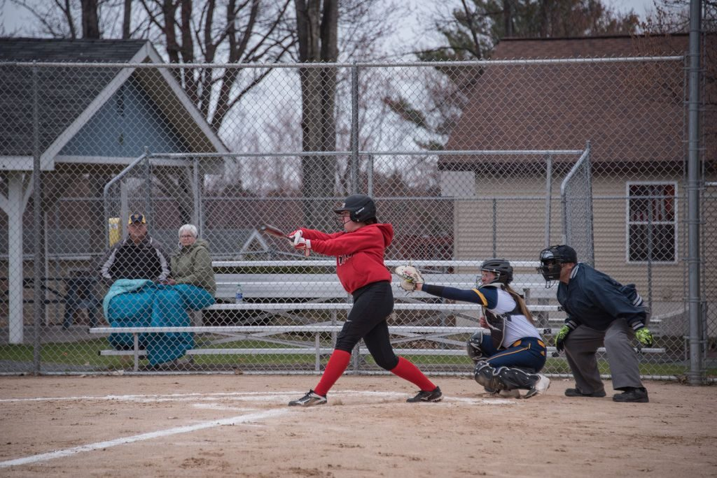050819_Marquette_Redettes_Softball_VS_Negaunee_Miners_WFXDHD2_110