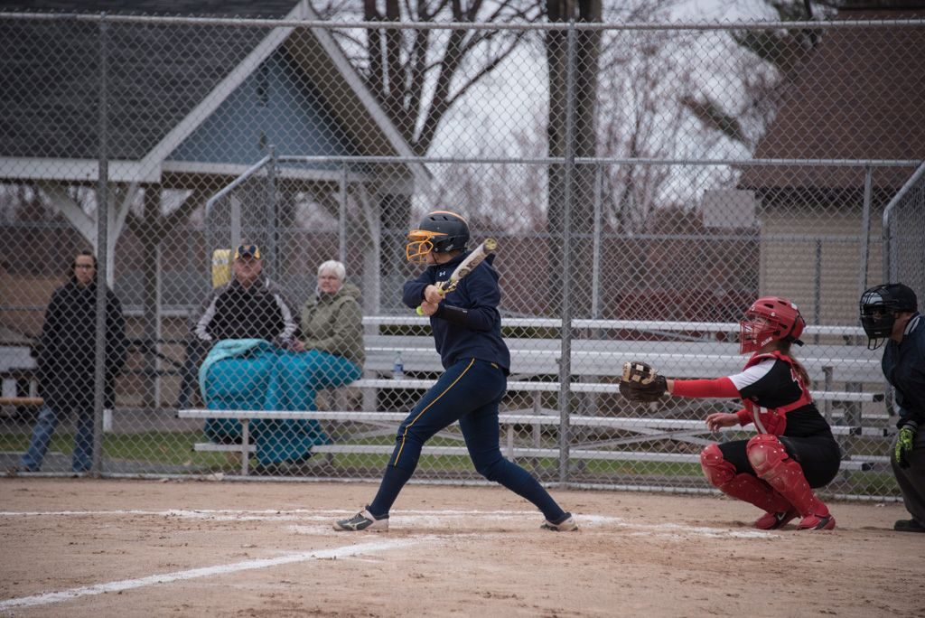 050819_Marquette_Redettes_Softball_VS_Negaunee_Miners_WFXDHD2_111