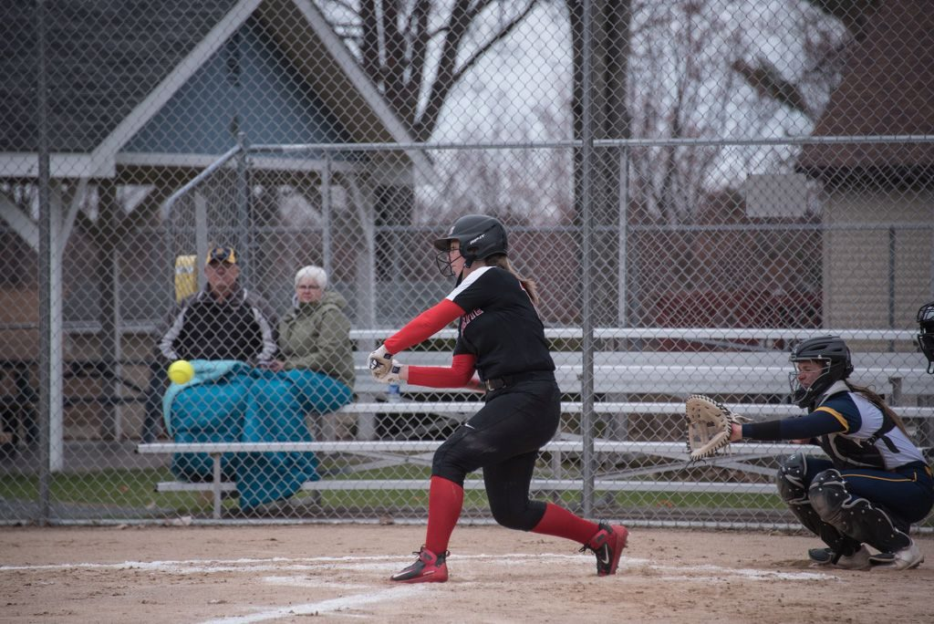050819_Marquette_Redettes_Softball_VS_Negaunee_Miners_WFXDHD2_121