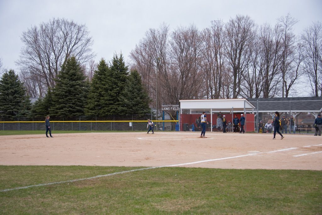 050819_Marquette_Redettes_Softball_VS_Negaunee_Miners_WFXDHD2_126
